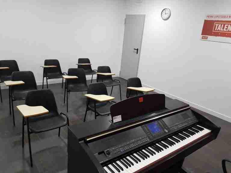 Aula-4-sillas-B